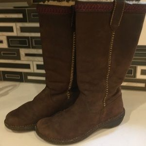 Ugg lined Brown Suede Boots